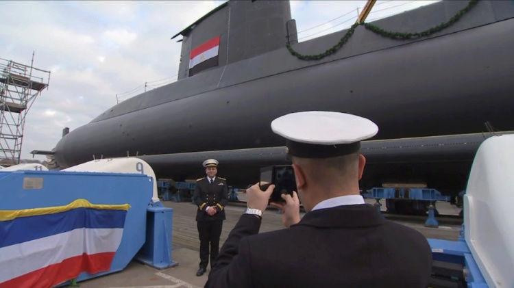 ألمانيا تسلم مصر غواصة ثانية اليوم..مبروك مصر! 12655210