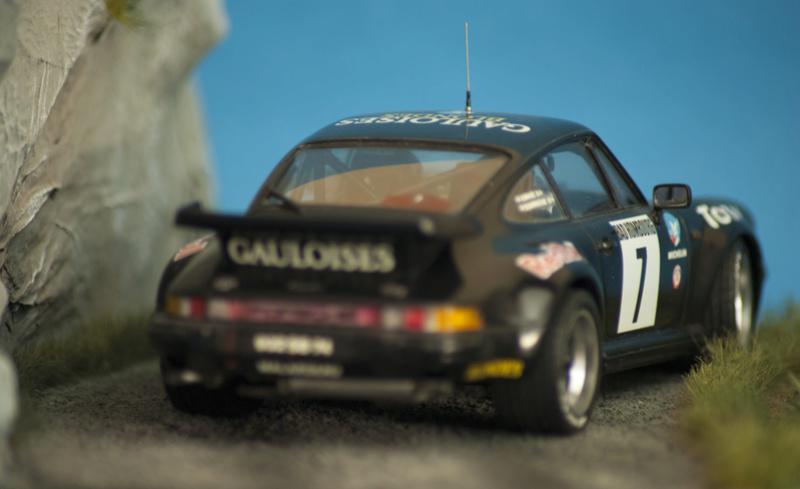 Porsche 911 Turbo`88 Tamiya 1/24 Dsc05411