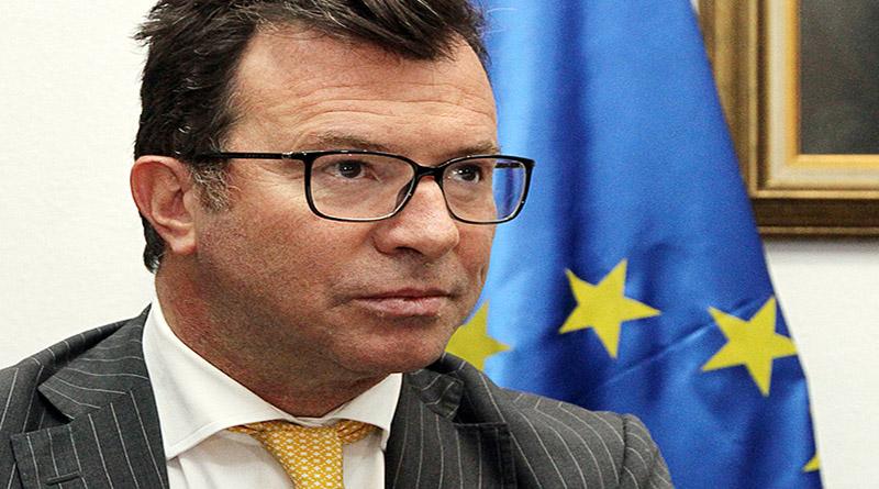 Una vez mas la UE se pliega a la corrupcion y el fraude del Partido Nacional Alessa10
