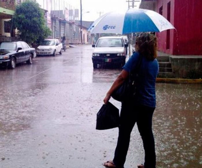 Lluvias por 48 horas en todo el pais por ingreso de onda tropical, pronostica CENAOS Lluvia10