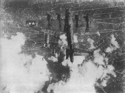 L'insolite de la 2eme GM - Page 20 Bombed11