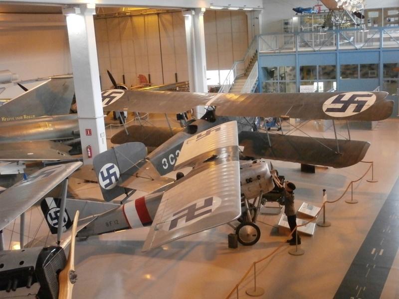 "Zrakoplovni muzej u Tikkakoskiju, ""Suomen Ilmavoimamuseo"" P8202911"
