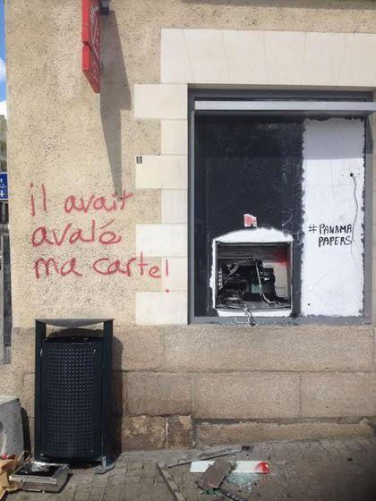 Les murs ont la parole. - Page 2 Graffi10