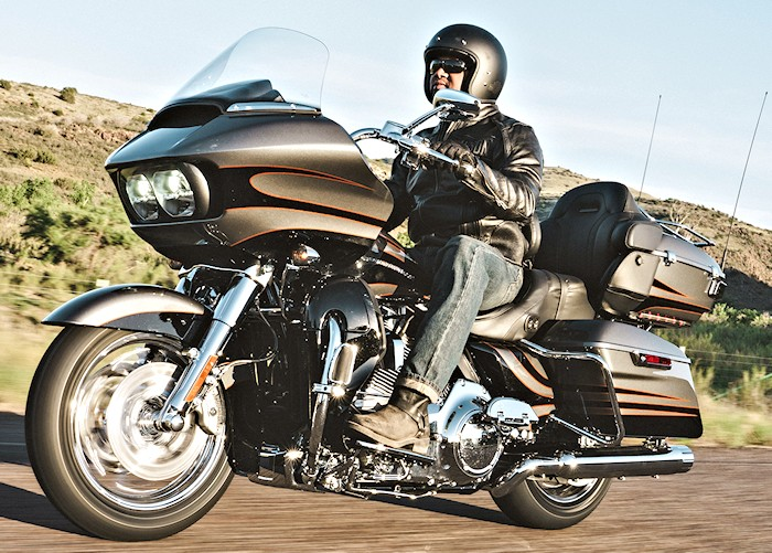 Harley Electra Glide Ultra 2017  Cvo-1810