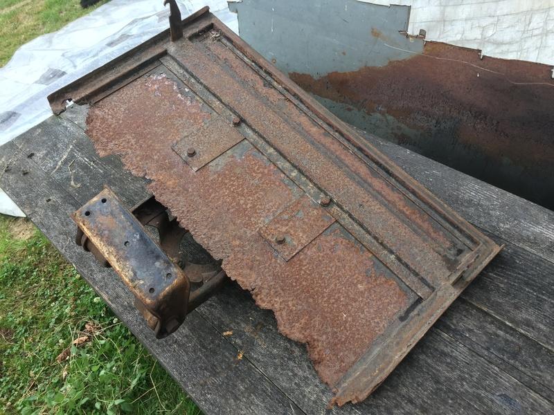 Capot de malle arrière 201 berline 1932 Img_8316
