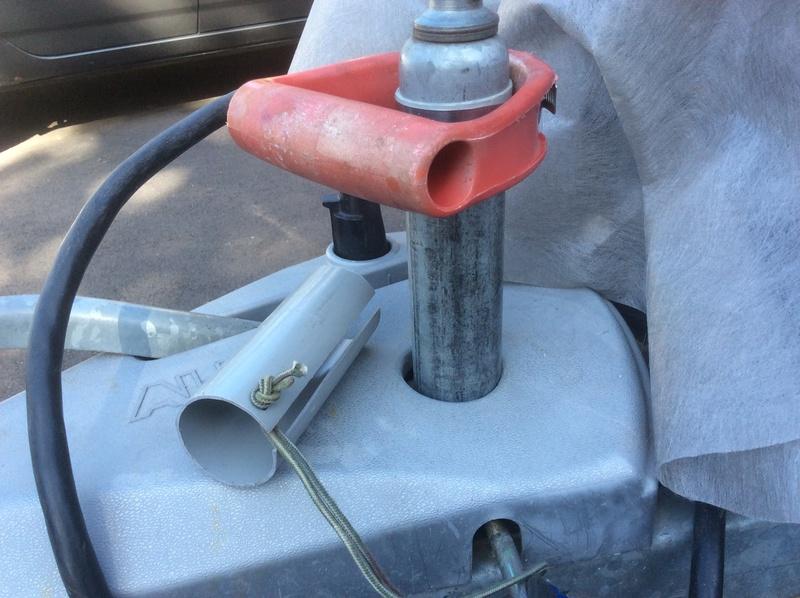 Poignée et tube de sécurité sur le jack Fd28b810