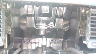 Desmontar plastico columna entre pueta delatenra y trasera. Img_2021