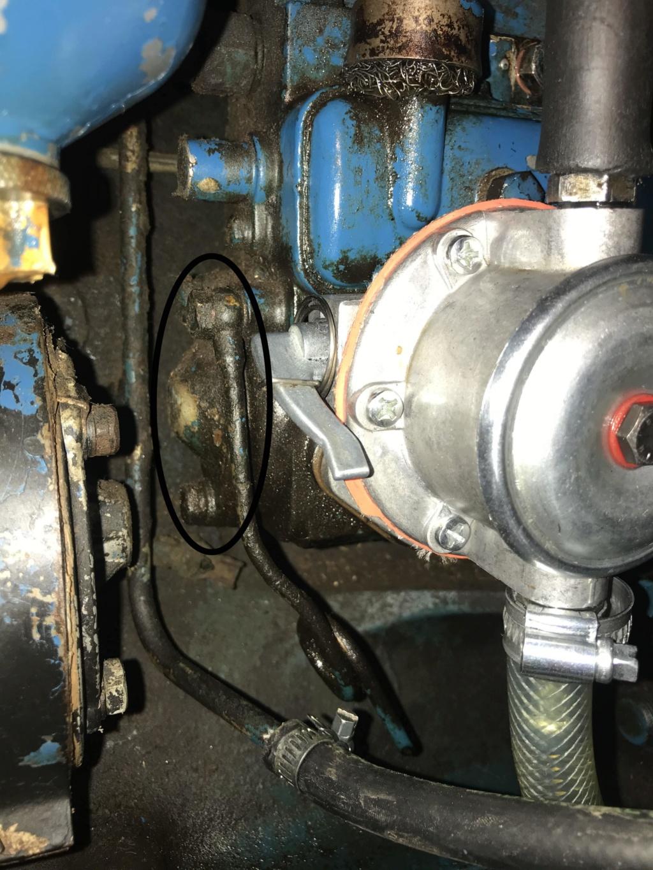 Ford 3000 s'étouffe et ne tire plus en effort Img_1418