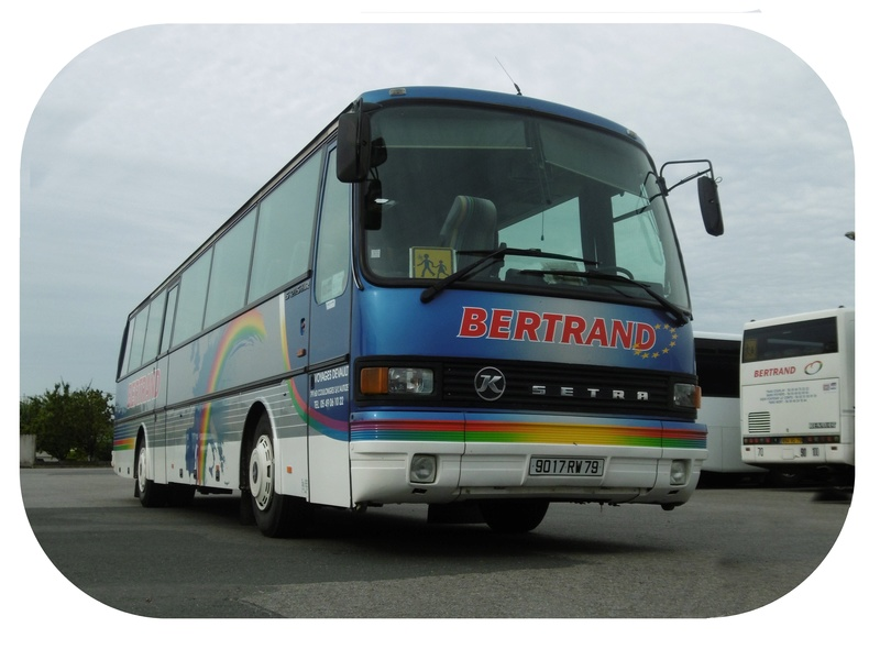 Recherches photos et infos sur les Cars BERTRAND (79) pour projet historique Bertra12