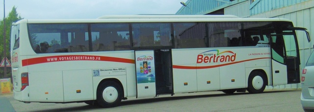 Recherches photos et infos sur les Cars BERTRAND (79) pour projet historique Bertra13