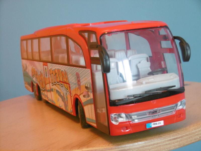 Les cars et bus miniatures P1190210