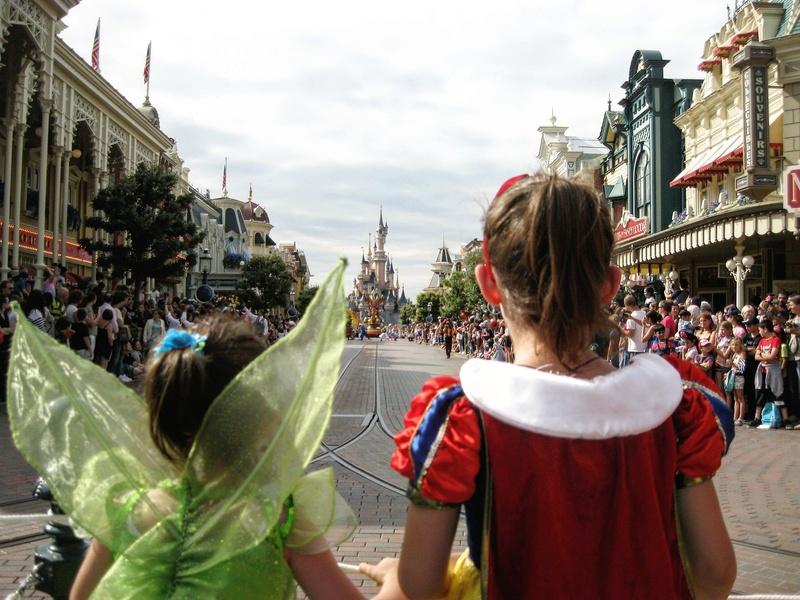 Famille d'honneur sur la parade - Page 4 Img_2010
