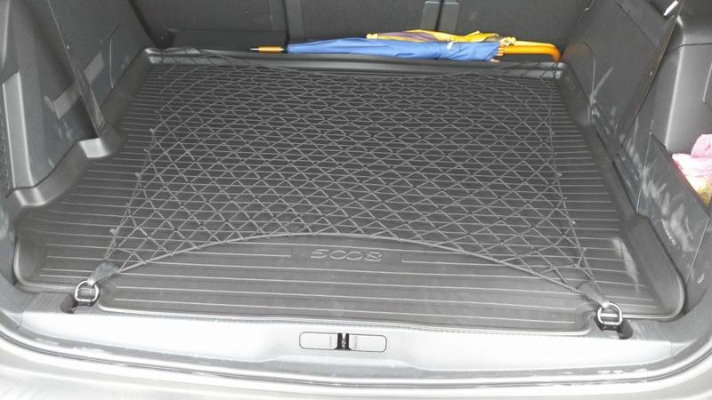Alfombra de Goma para el maletero - Página 3 Img-2011