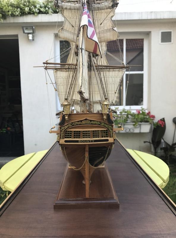 HMAV Bounty 1783 (Artesania Latina 1/48°) de docgillou Img_2112