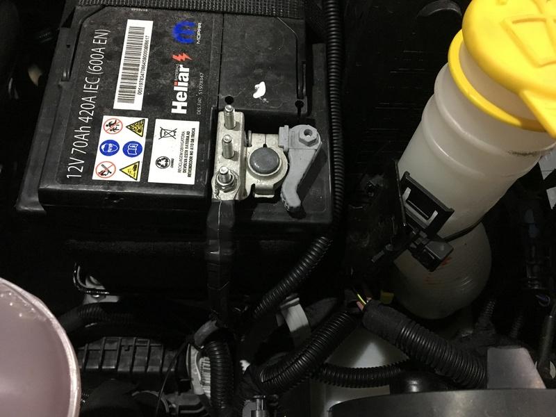 Iluminação no Motor Img_4545