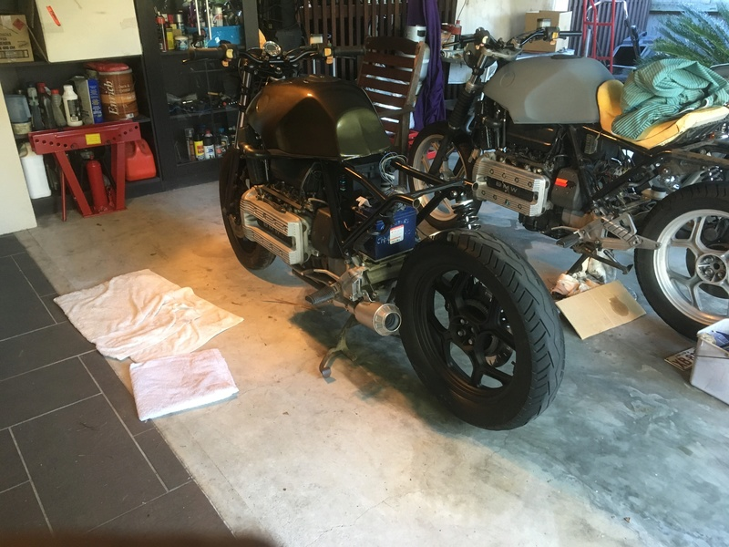 MIG Weld cafe hoop to subframe while engine still in frame? Exhaus10