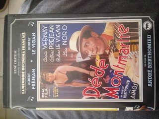 Vend VHS originales de collection René Chateau et autre. Image12