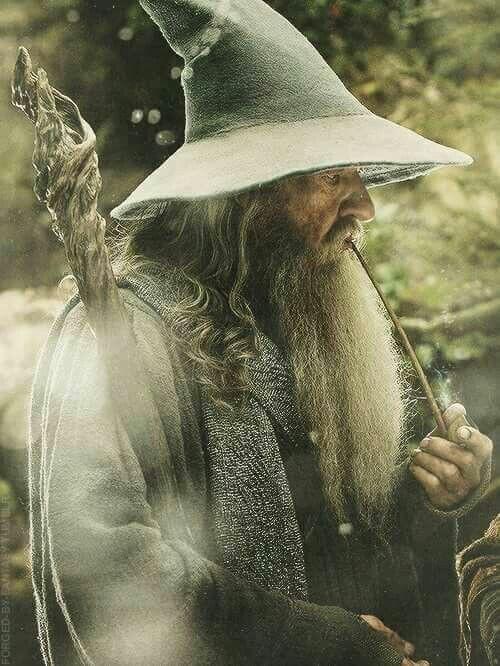 Gandalf et ses pipes 3c095410