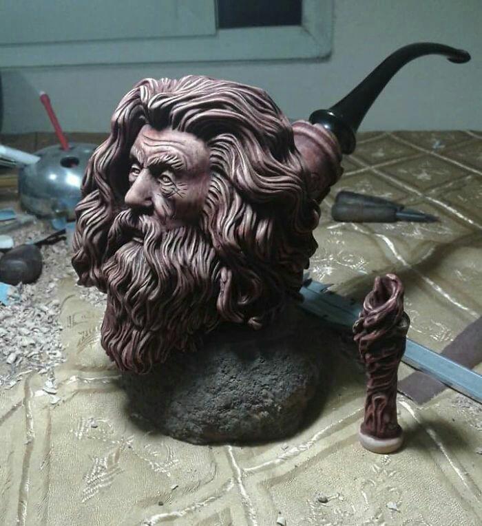 Gandalf et ses pipes 53516810