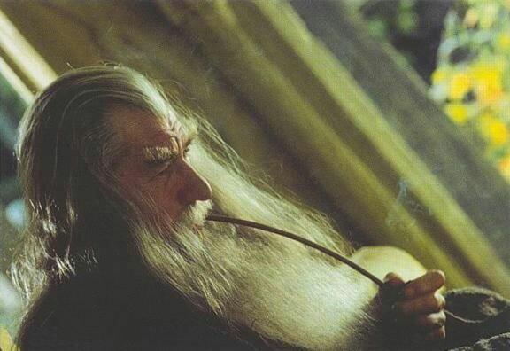 Gandalf et ses pipes 5aba1010
