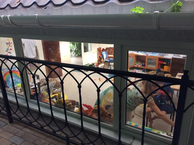 Это вид с веранды ресторана. Большой бассейн для взрослых, маленький (ближний) для мелкотни. Img_0519