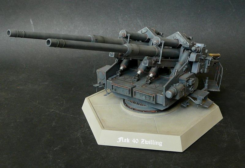 Takom 1\35 12,8 cm Flak-Zwilling 40 P1080010