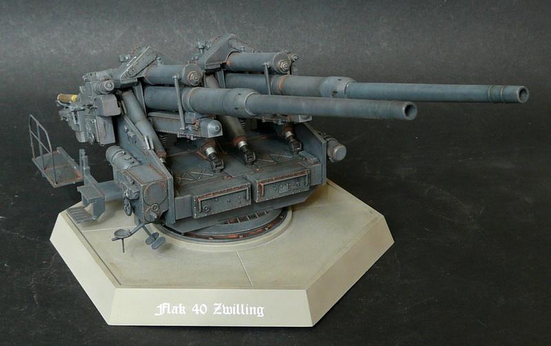 Takom 1\35 12,8 cm Flak-Zwilling 40 P1080011