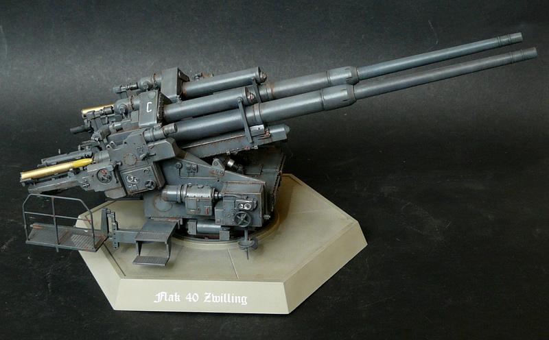 Takom 1\35 12,8 cm Flak-Zwilling 40 P1080012