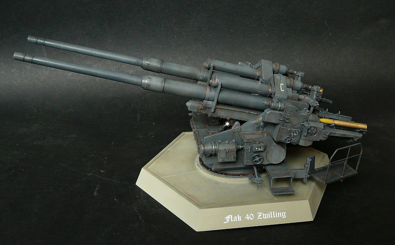 Takom 1\35 12,8 cm Flak-Zwilling 40 P1080013