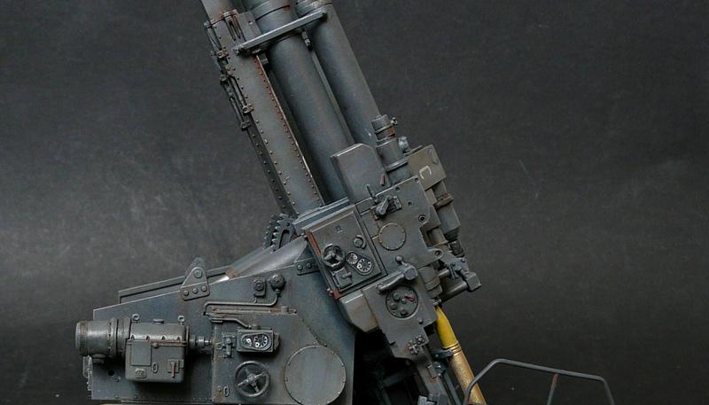 Takom 1\35 12,8 cm Flak-Zwilling 40 P1080015