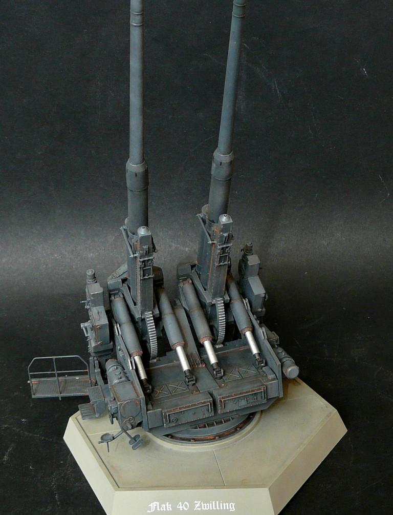 Takom 1\35 12,8 cm Flak-Zwilling 40 P1080017