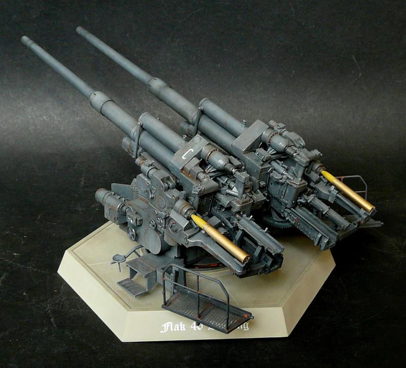 Takom 1\35 12,8 cm Flak-Zwilling 40 P1080019