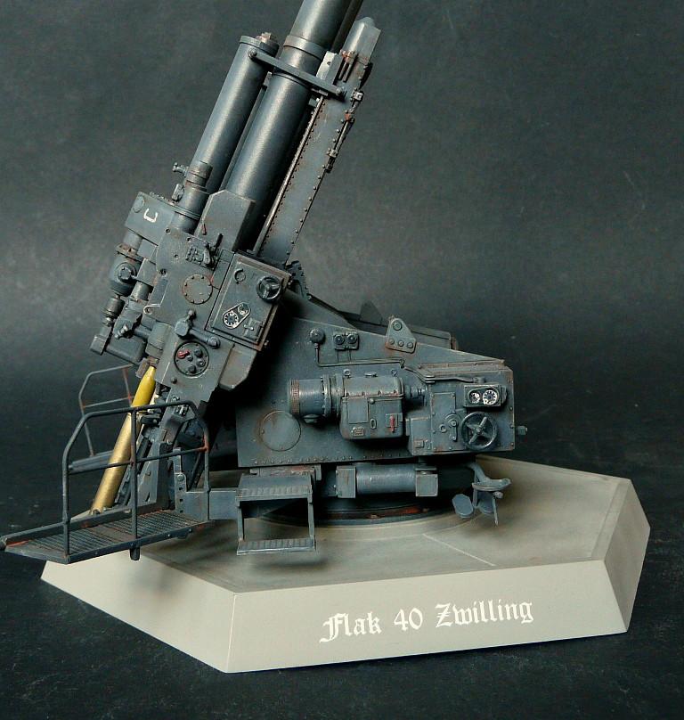 Takom 1\35 12,8 cm Flak-Zwilling 40 P1080020