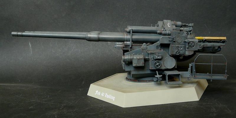 Takom 1\35 12,8 cm Flak-Zwilling 40 P1080021