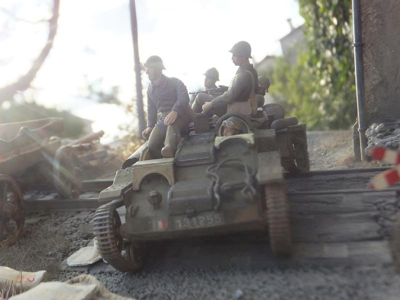 """Picon avec bière, juin 1940,-[mirage]Renault UE,[heller] canon de 25 mm 1/35 """"FIN"""" Dscf8913"""