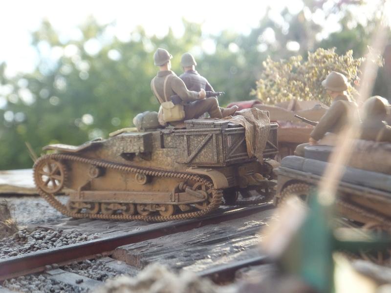 """Picon avec bière, juin 1940,-[mirage]Renault UE,[heller] canon de 25 mm 1/35 """"FIN"""" Dscf8917"""