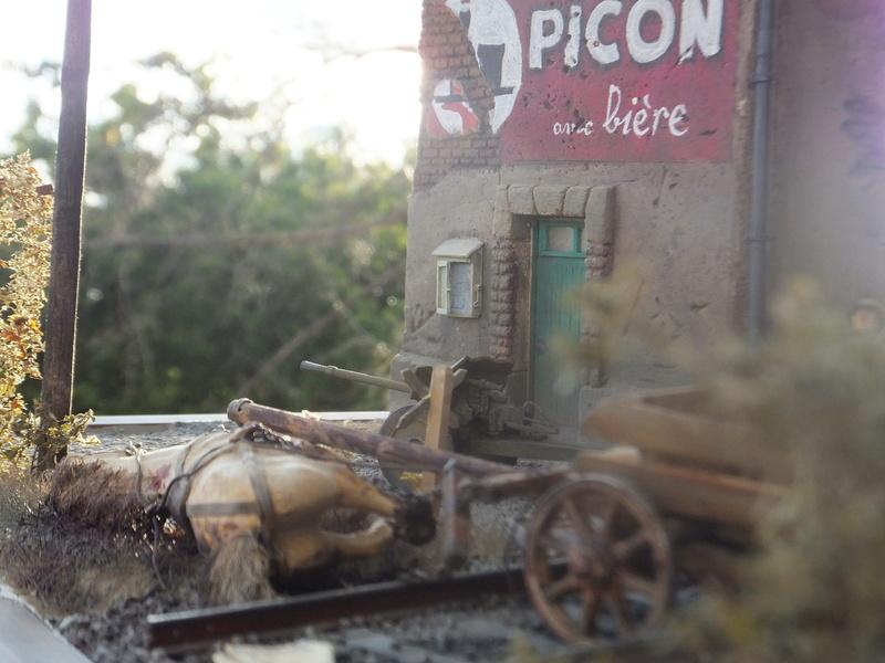 """Picon avec bière, juin 1940,-[mirage]Renault UE,[heller] canon de 25 mm 1/35 """"FIN"""" Dscf8918"""