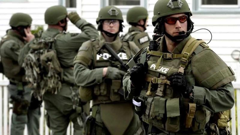 LOADOUT: Police,FBI... Maxres10