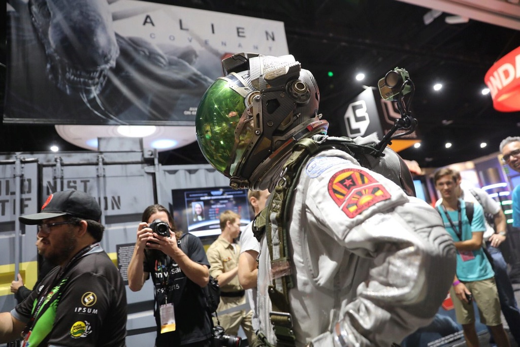 AMD Campaigns & IN UTERO VR for Alien: Covenant Sdcc410