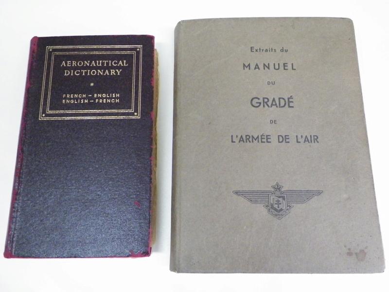 Manuel du gradé 1944 FAFC et dictionnaire aéronautique 1943 FAFL 100_3810