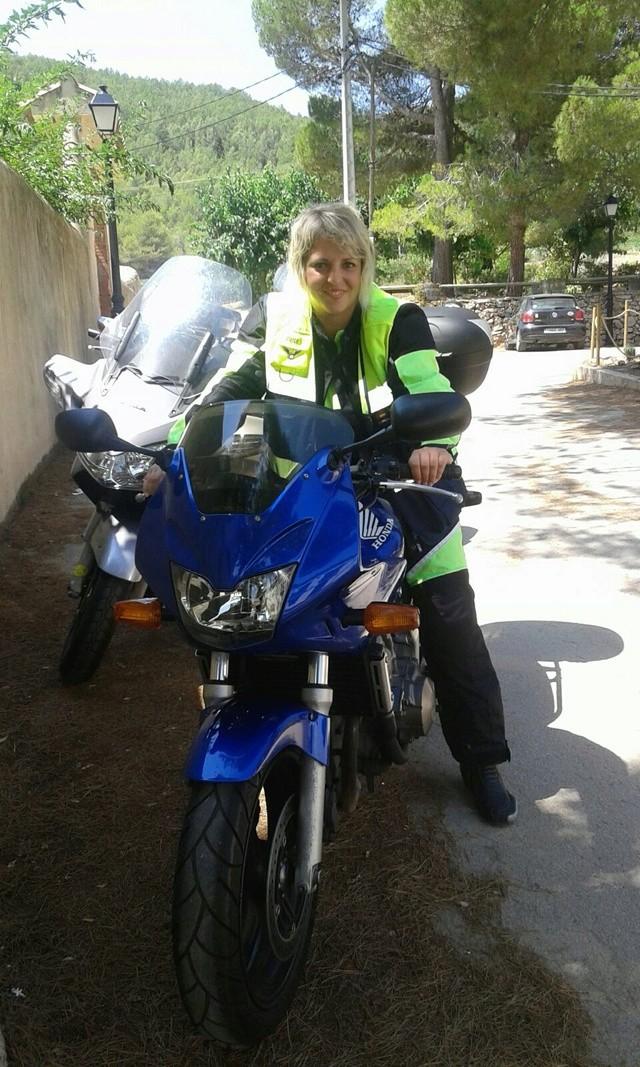Otras motos de los participantes en el foro - Página 3 Img-2011
