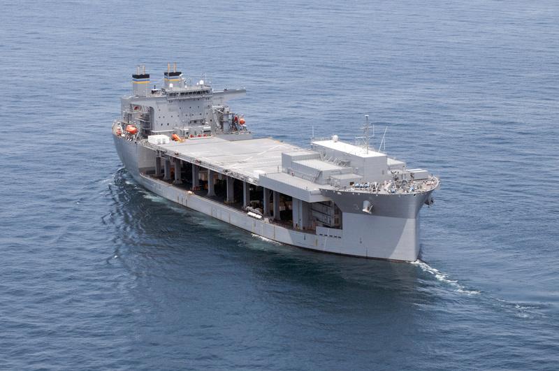L'ESB UNSS Lewis B. Puller remplace l'USS PONCE 16061510