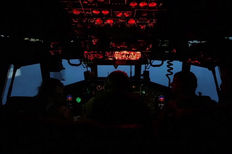 Posé d'assaut d'un C160 Transall sur piste sommaire au Mali Dsc01210