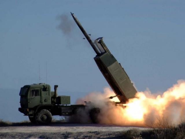 Des systèmes d'artillerie HIMARS pour la Roumanie Himars10
