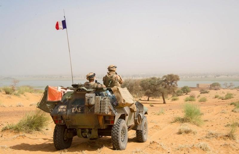 Trois soldats français blessés près de Tessalit Ob_f9910