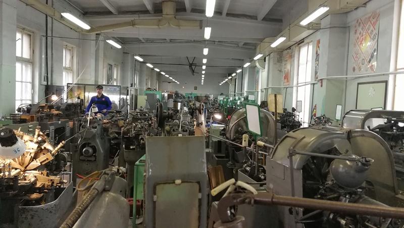 Une visite guidée de la fabrique  RAKETA à Saint Pétersbourg Img_2020