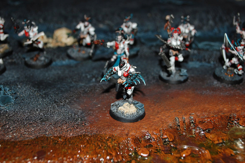 White & red color scheme : painting recipies Wyche-10
