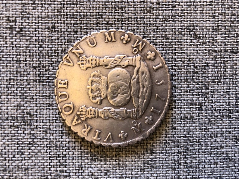 Otro para la colección , 8 REALES COLUMNARIO 1751 ,con golpe en el centro C41e7010