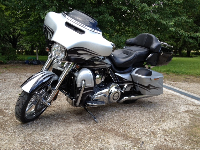 Street Glide CVO combien sommes nous sur Passion-Harley - Page 6 611