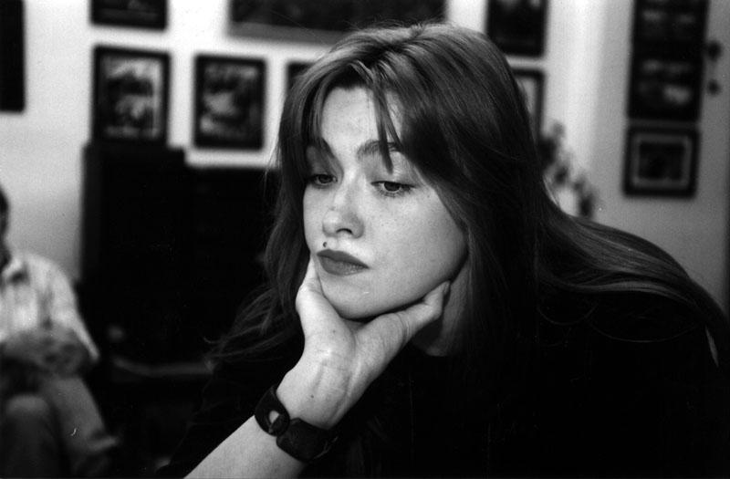 Nika Turbiná, la niña prodigio, poeta soviética olvidada... Nika_410